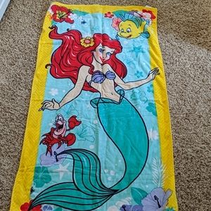 DISNEY Little Mermaid Beach Towel